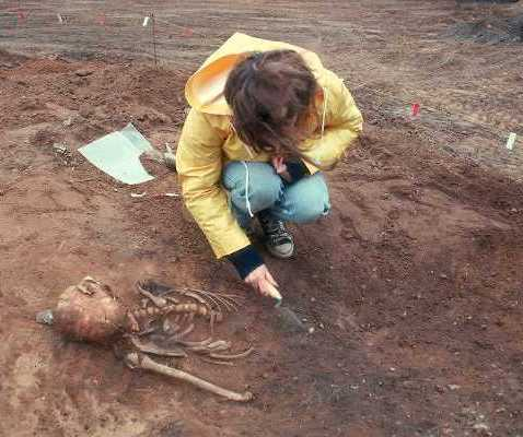 Excavation of the Anglo-Saxon cemetery at Bidford on Avon